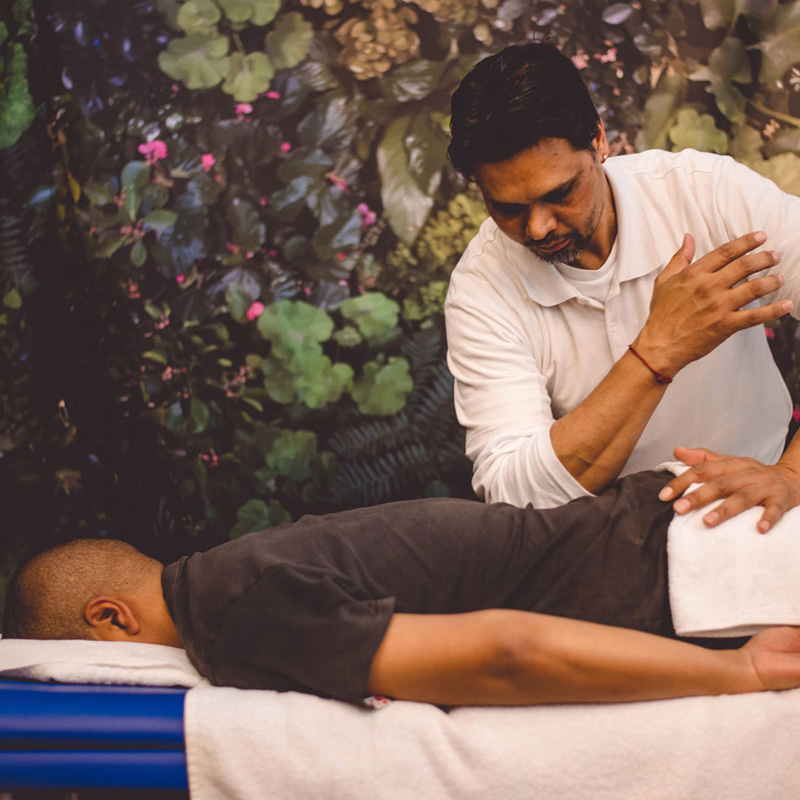 Shiatsu Massage Back and Shoulders